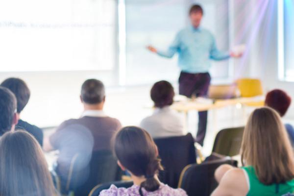 Специалист Холдинга «Швабе» читает лекции студентам Московского государственного технического университета имени Н.Э. Баумана (МГТУ). Программа данного учебного курса рассчитана с октября 2016 года по июнь 2017 года.