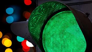 От «пропеллера» до лазерной стены: история светофора