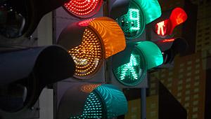 На улицах Нижнего Тагила появились новые светофоры и дорожные знаки «Швабе»