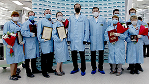 Специалистов «Швабе» наградили за вклад в борьбу с пандемией