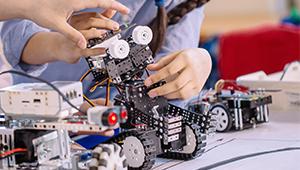 «Швабе» продолжает сотрудничество с детскими технопарками «Кванториум»
