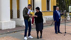 Сотрудник «Швабе» получил награду президента за волонтерскую деятельность