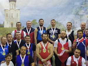 Тяжелоатлет «Швабе» завоевал золото на турнире во Владимире