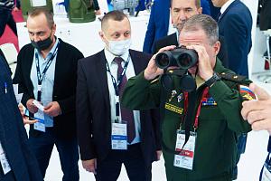 «Швабе» представил новые бинокли для ВМФ
