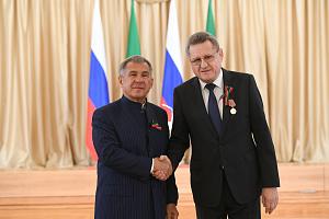 Сотрудник «Швабе» удостоен высокой государственной награды Татарстана